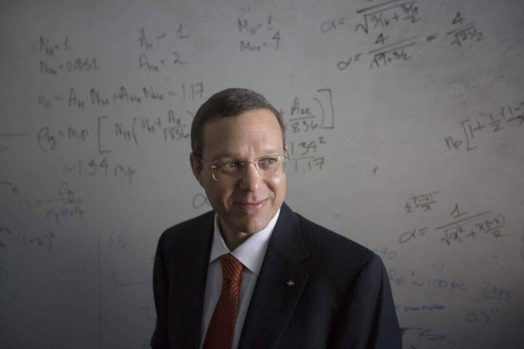 'Oumuamua Dr. Avi Loeb