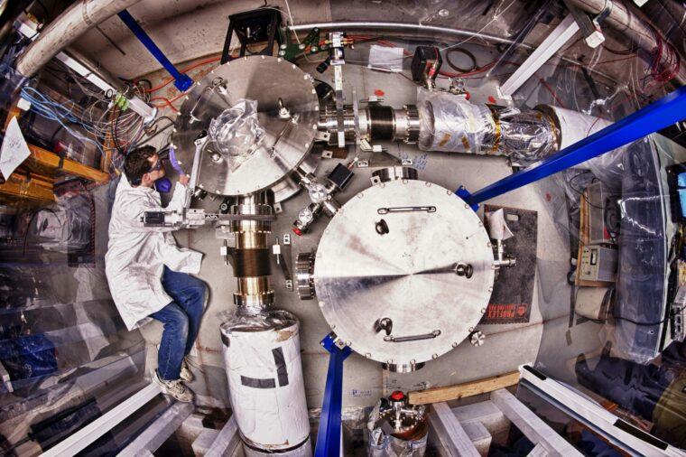 Fermilab Holometer